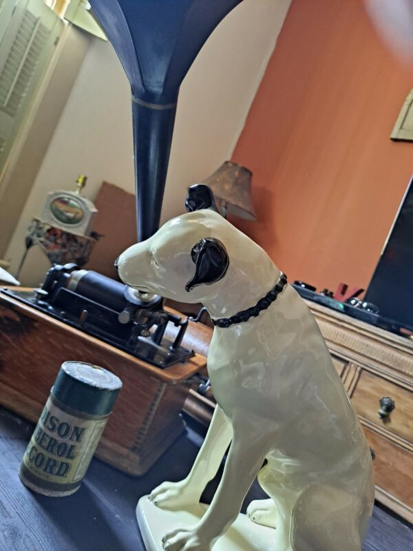 "LARGE CERAMIC ""NIPPER DOG"" RCA VICTOR EDISON VICTROLA ""HIS MASTER"
