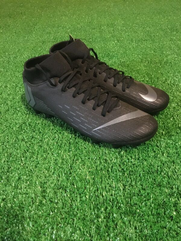 Nike Soccer Cleats AH7362-001 Size 8.5