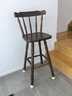 Antique Bar Stool, good condition. Single chair.