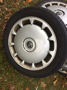 """16"""" tires with aluminium rims from a Volvo"""