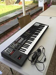 ROLAND FA-06 MUSIC WORKSTATION SYNTHESIZER Mirrabooka Stirling Area Preview