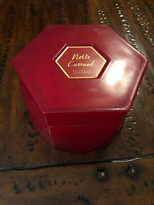 ILLUME Noble Currant  12.17 OZ Red Jar Candle