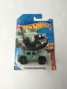Hotwheels 2015 land rover defender double cab