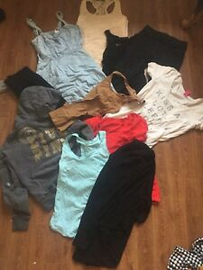 Size small clothing lot 5$