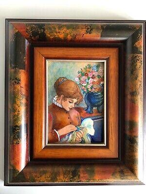 cuadro con marco madera y esmalte de mujer con jarro de flores...