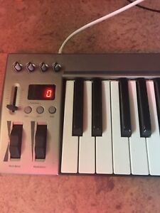 Midi Keyboard - Excellent Condition