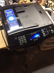 Imprimante/scanner/copieur Brother MFC-J615w all-in-one