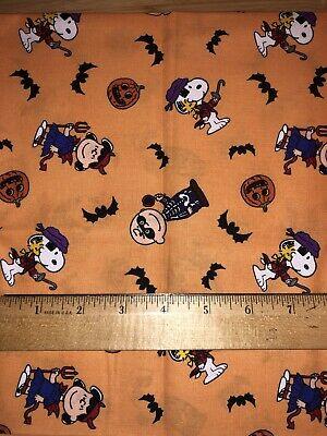PEANUTS GANG - Charlie Brown, Woodstock, Snoopy Halloween Toss Orange 1/2 Yard