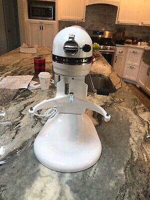 KitchenAid KP26M1XGU Pro 600 Series 6-Qt. Bowl-Lift Stand Mixer, WHITE
