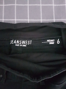 Size 6 Maternity jeans Mount Cotton Redland Area Preview