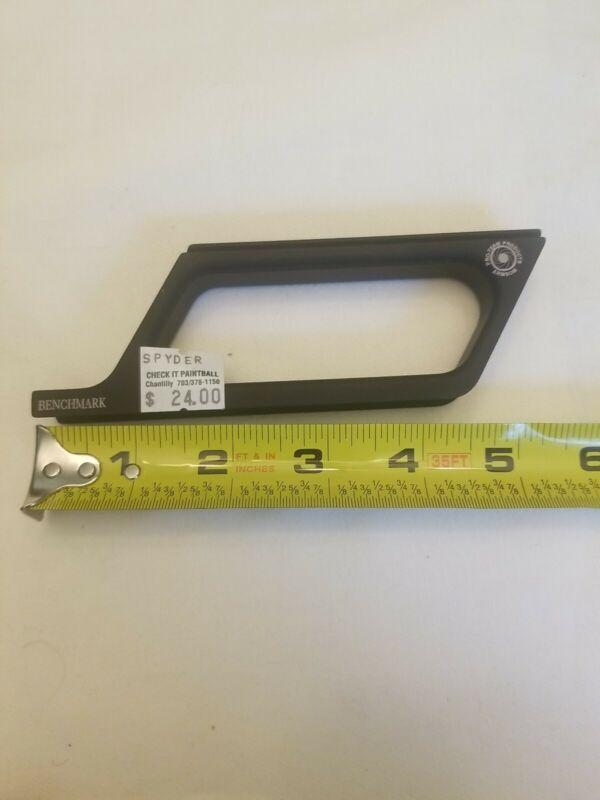 Benchmark Raised sight rail for spyder, matte black