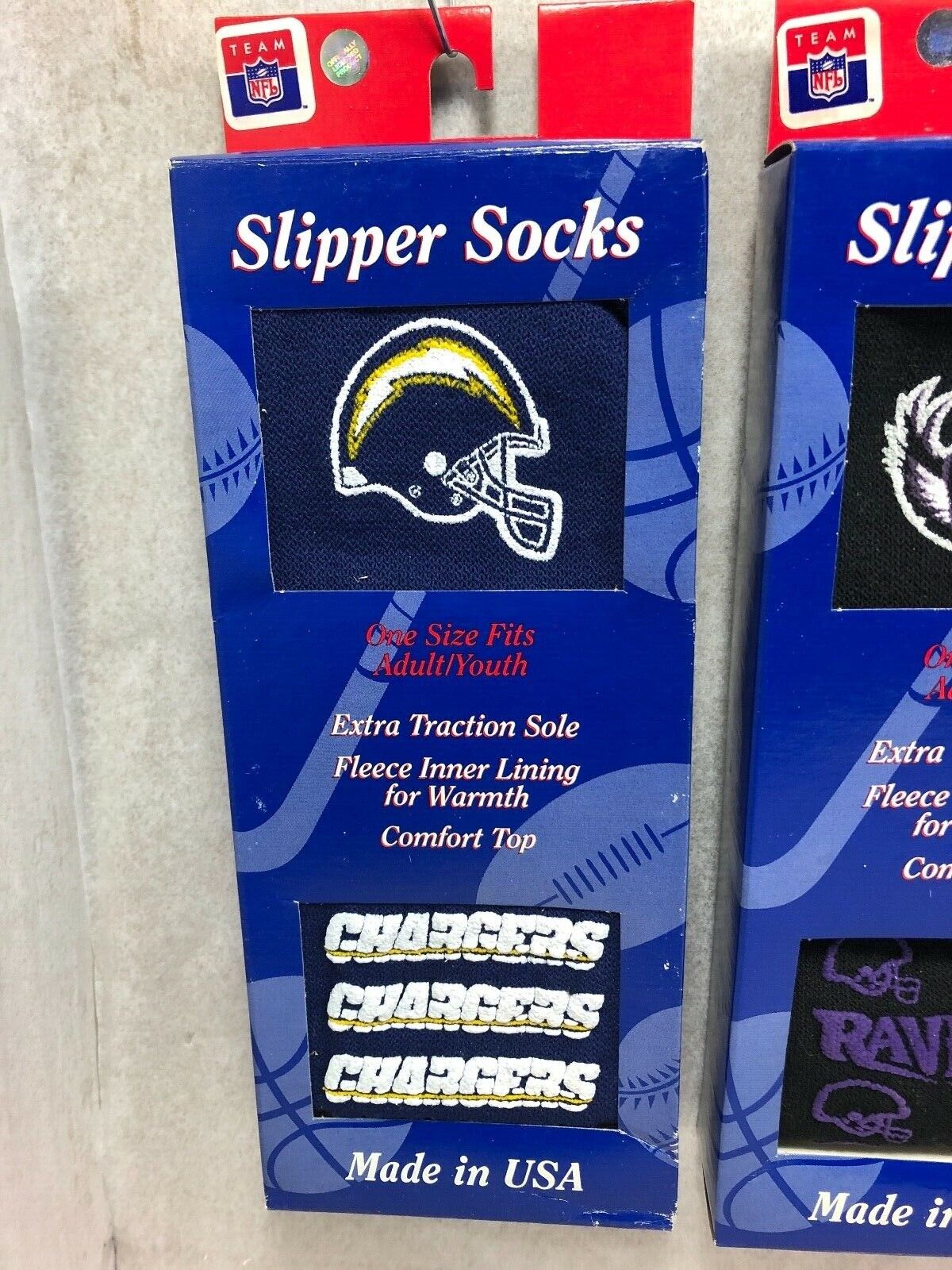 NEW MENS NFL SLIPPER SOCKS EAGLES, BILLS, CHARGERS,RAVENS ,COWBOYS MADE IN USA Fan Apparel & Souvenirs