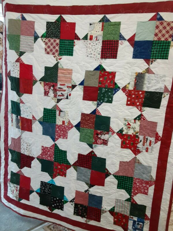 HANDMADE PIECED MERRY CHRISTMAS QUILT PROFESSIONALLY QUILTED