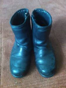 Size 9 Rossi Boots Parmelia Kwinana Area Preview