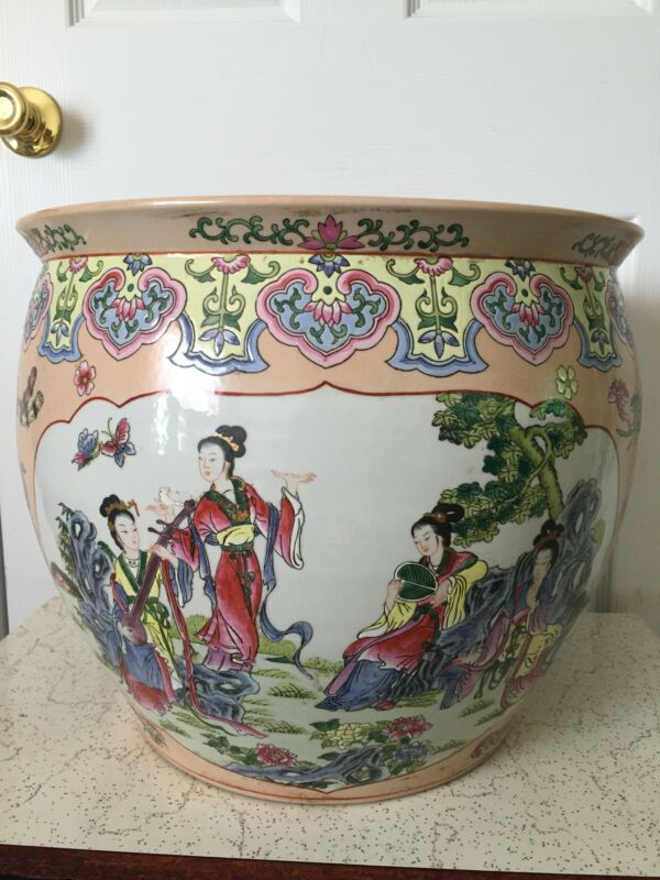 ANTIQUE CHINESE FISH/FLOWER BOWL WITH MARK