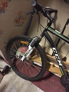 Ccm men's ccm xl, needs new back tire. 15-20 dollars from store