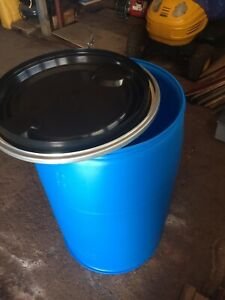 Barrels for sale, sealable cover and food grade.