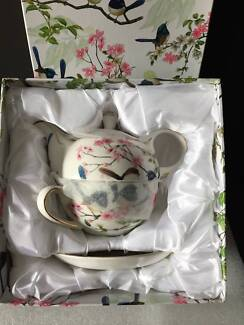 TEAPOT – CUP – SAUCER SET – BOXED – BRAND NEW