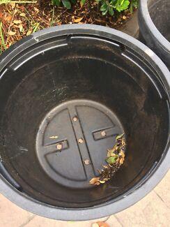 Pair black plastic 80 litre plant pots tubs