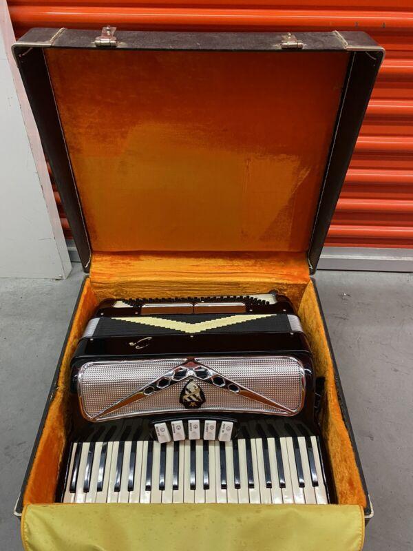 Capri Accordion with Case, Black Pearlized Key Board, Straps