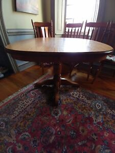 Elmira round table & 4 chairs