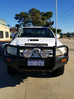 Toyota Hilux Manual 16000