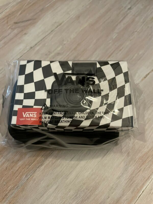 NEW! Collectible Vans OFF THE WALL Disposeable Camera and Pouch