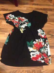 SELLING • 4 Summer Dresses
