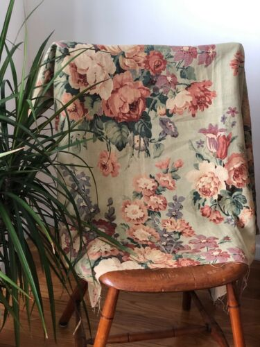 Vintage hand blocked floral rose bouquet on pale green linen fabric c. 1938-40