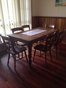 dining room table and 6 chairs Arrawarra Coffs Harbour Area Preview