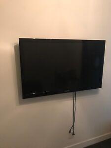 "Samsung 46"" LCD HDTV"
