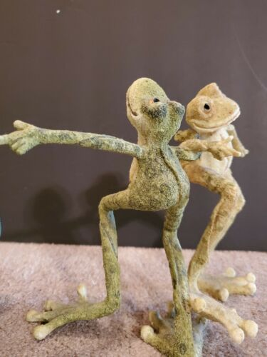 Dancing Frogs sculpture