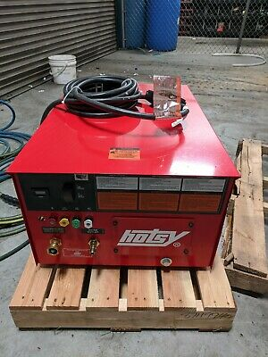 Hotsy Cold Water Pressure Washer Model 1722