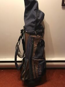 Golf bag includes the equipment to play golf for beginners