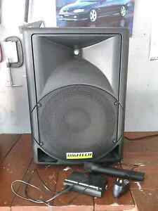 PA system with cordless Mic and stand Innaloo Stirling Area Preview