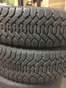 2-225/60R17 Good Year winter tires