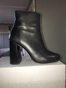 Witchery Boots Size 38 (7.5) Worn Once Woolooware Sutherland Area Preview