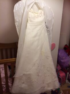 Wedding dress jenny and Gerry's  Paralowie Salisbury Area Preview