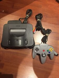 N64 Nintendo 64 video game system works excellent tight stick
