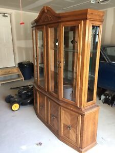 Solid Oak Detachable Buffet and Hutch