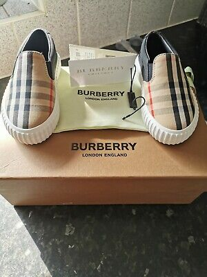 Boys burberry Vintage check slip-on sneakers size 25, new with box (unisex)