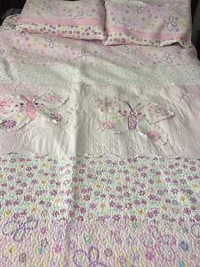 Butterfly quilt with 2 shams, double