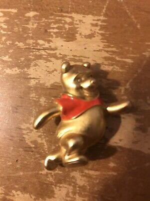 VINTAGE COLLECTIBLE DISNEY WINNIE THE POOH BEAR GOLD TONE PIN BROOCH ADORABLE