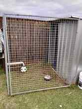 Dog pen/ shed Aberglasslyn Maitland Area Preview