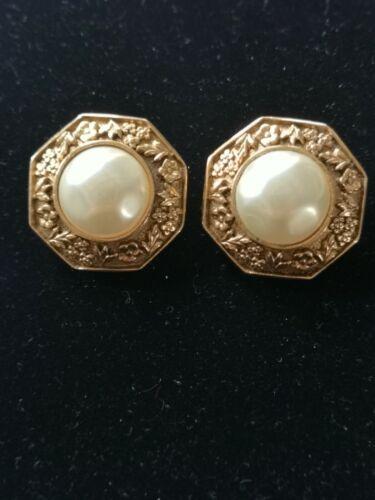 Chanel boucles d'oreilles cc logo perle or vintage