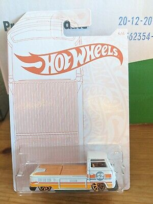 HOTWHEELS VOLKSWAGEN T2 PICKUP PEARL AND CHROME SERIES