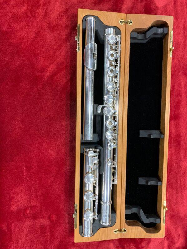 Verne Q, Powell flute 2100