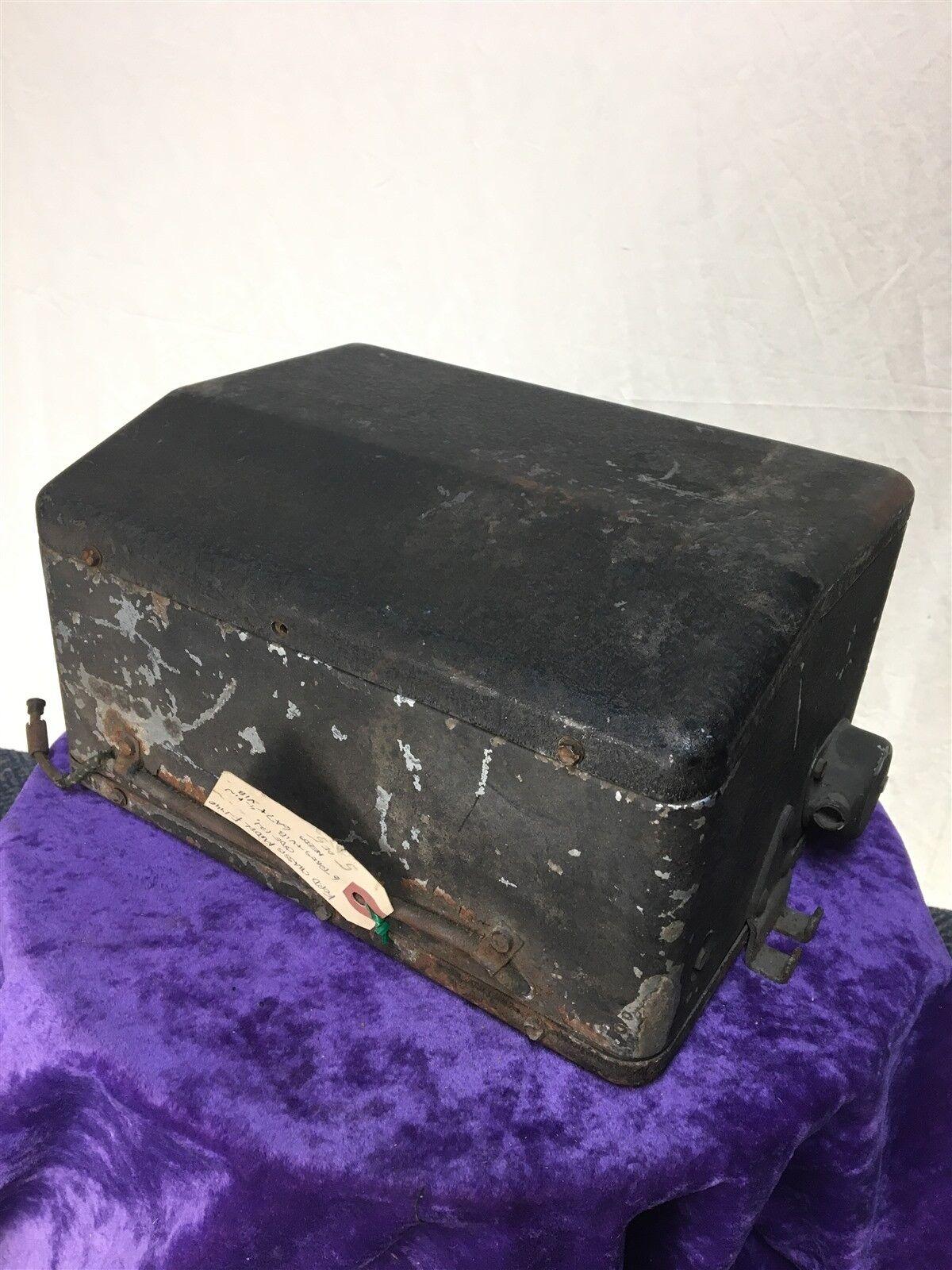 1930's antique FORD FoMoCo radio tube reciever box Super Heterodyne Radio