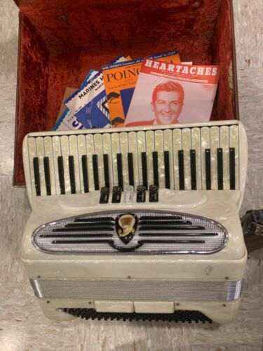 GIULIETTI MADE IN ITALY CUSTOM BUILT ACCORDION