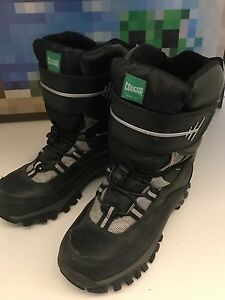 Boy's/men's size 6 Cougar boots